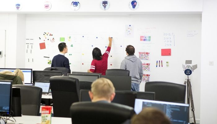 full-magnetic-wall-for-meetings-made-with-magnetic-plaster-and-whiteboard-paint