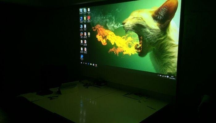 Bright-projected-image-using-Smart-Projector-Paint-Pro-Projector-Screen-Ideas