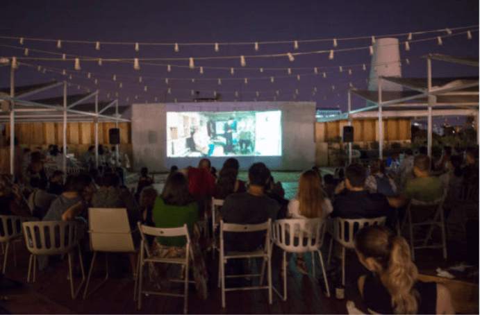 smart-projector-paint-pro-screen-used-outdoors-at-night-1
